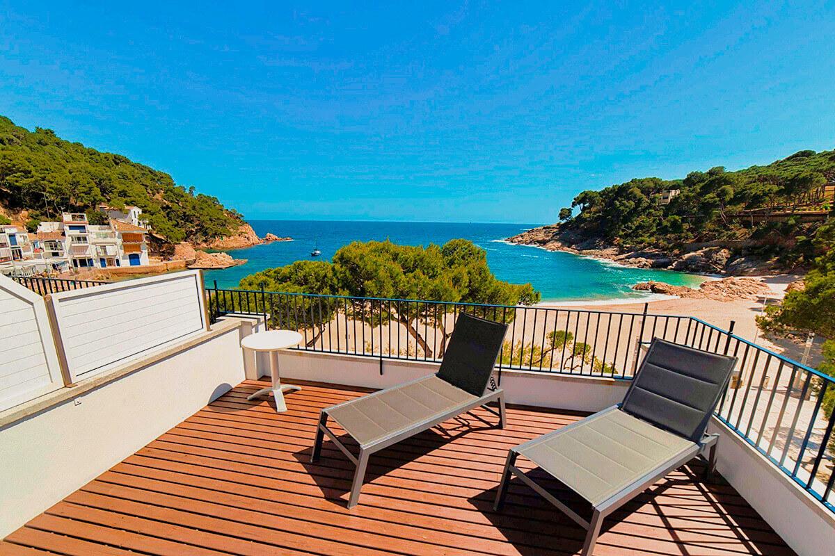 Suite con terraza y vistas al mar